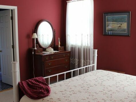 Rose Garden Suite, The Crossroads Inn